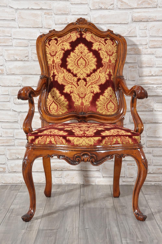 Poltrona di lusso con braccioli intagliata riprodotta in - Mobili stile barocco veneziano ...