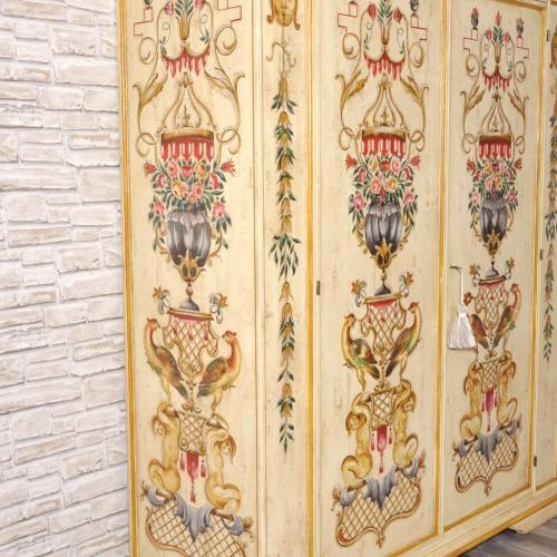 importante armadio a 2 ante in stile veneziano decorato artigianalmente made in italy