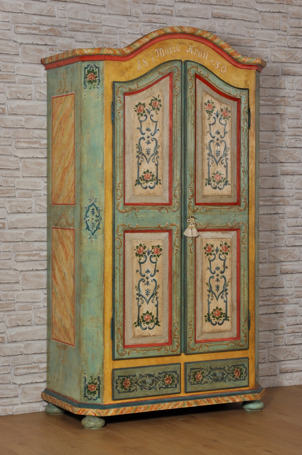 Armadio 4 Ante Decorato A Mano.Shaped Double Leaf Door And Moulding Hand Decorated 600 Tyrolean