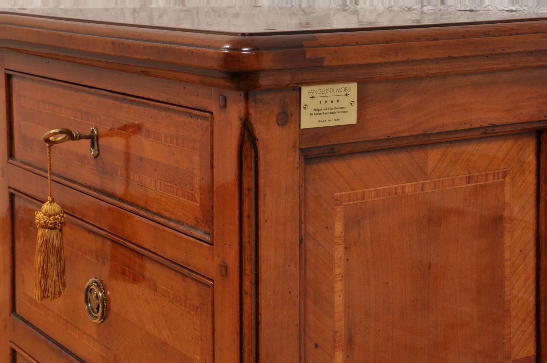 pregiato comodino 3 cassetti riprodotto in stile classico provenzale