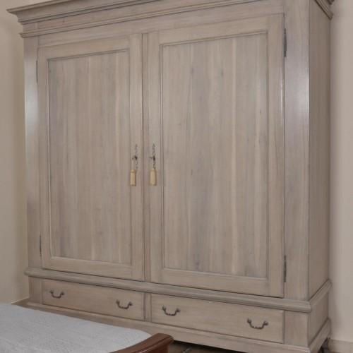 armadio in noce a due ante e due cassetti costruzione di lusso in stile provenzale sbiancato grigio per camere da letto o ingressi