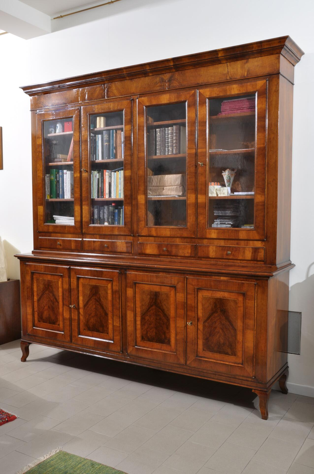 Imponente libreria intarsiata di lusso in stile asolano veneto mobili vangelista - Fabbriche di mobili in veneto ...
