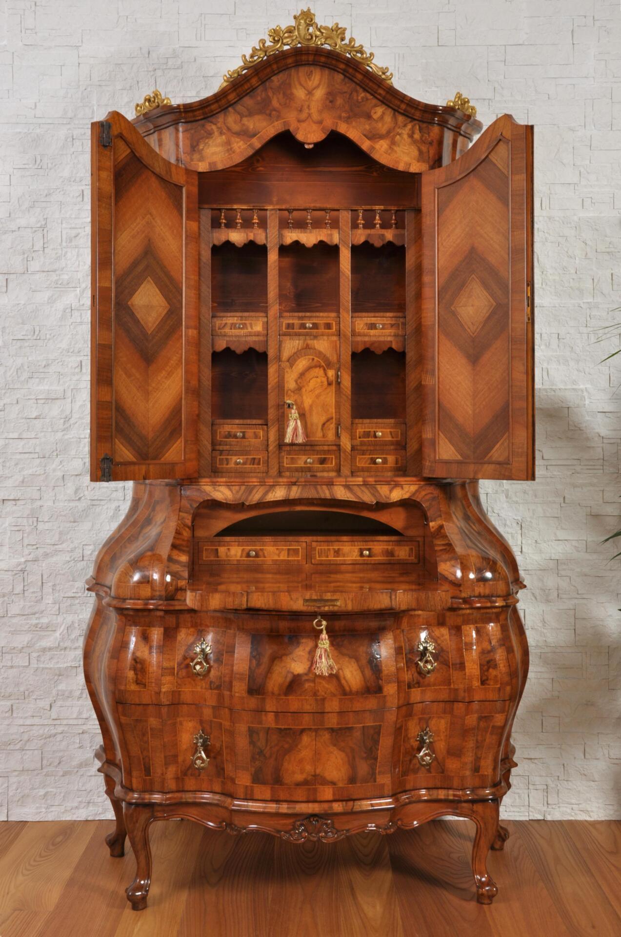 Secretaire con ribalta trumeau bombato in stile 39 700 rococ veneziano - Stile veneziano mobili ...