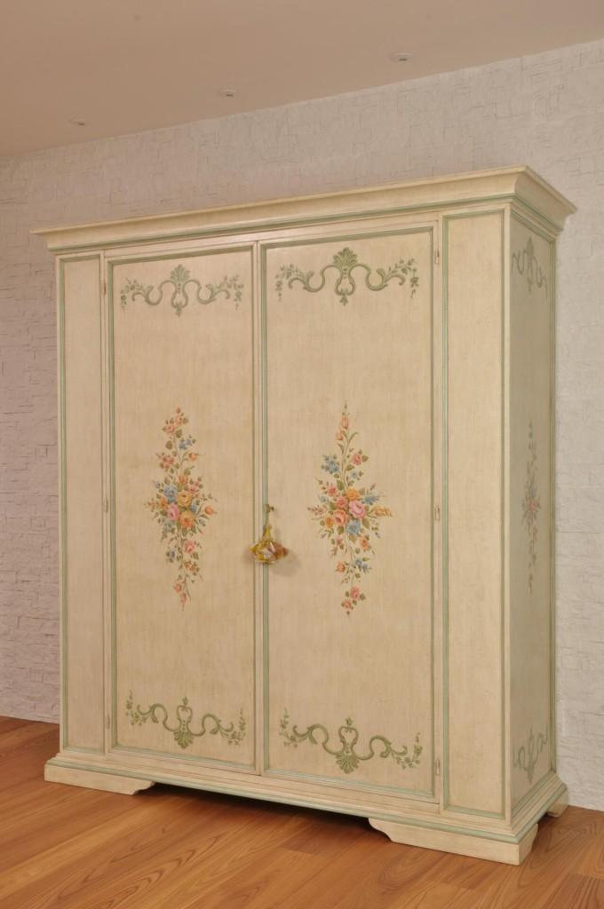 Armadi decorati tirolesi e veneziani archivi pagina 2 di for Mobili dipinti di design