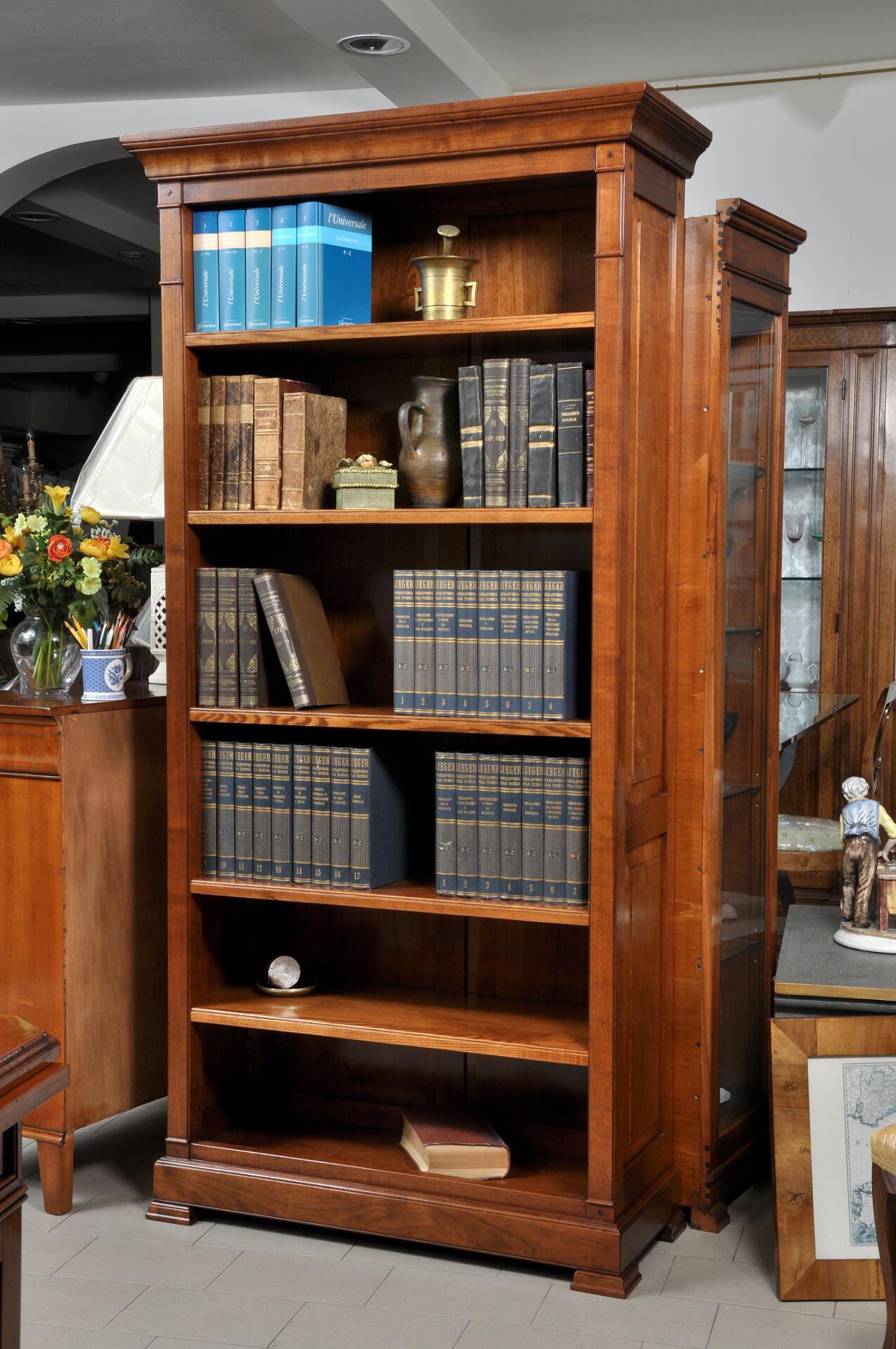 Libreria un vano a giorno realizzata nello stile for Mobili 800 italiano