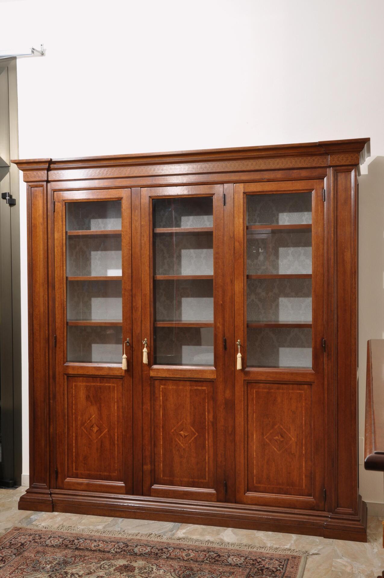 Libreria in legno di noce massello di grandi dimensioni - Mobili libreria classica ...