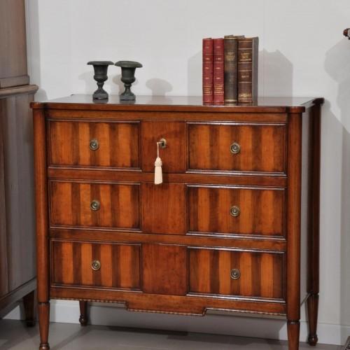 comò intarsiato a 3 cassetti con le gambe tornite costruito per importanti ingressi e residenze case di lusso noce massello in stile luigi XVI