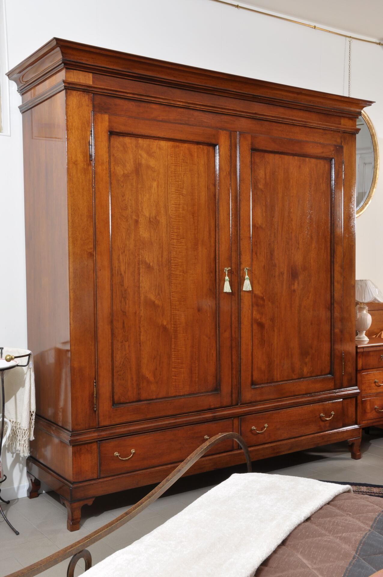 Armadio riprodotto stile Provenzale costruito in legno di noce ...