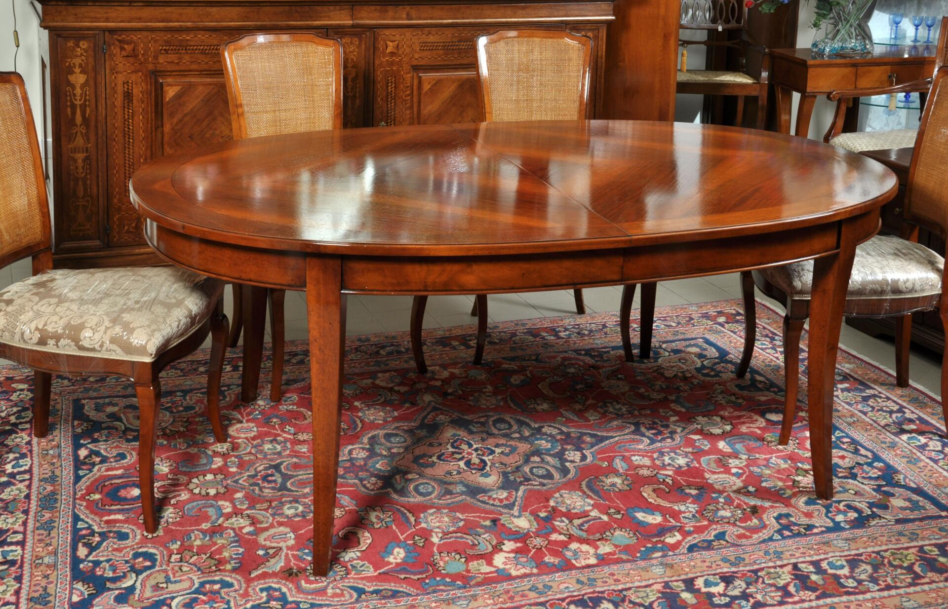 Tavoli Classici Ovali Allungabili.Tavolo Ovale Intarsiato Estensibile