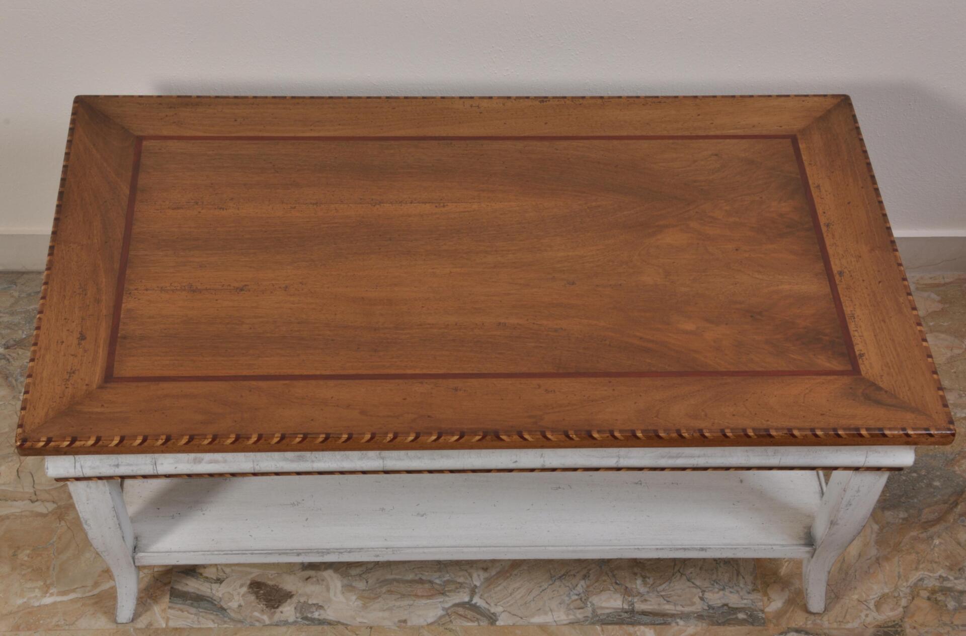 Tavolo da salotto finemente intarsaito in stile classico Asolano Veneto  Mobili Vangelista