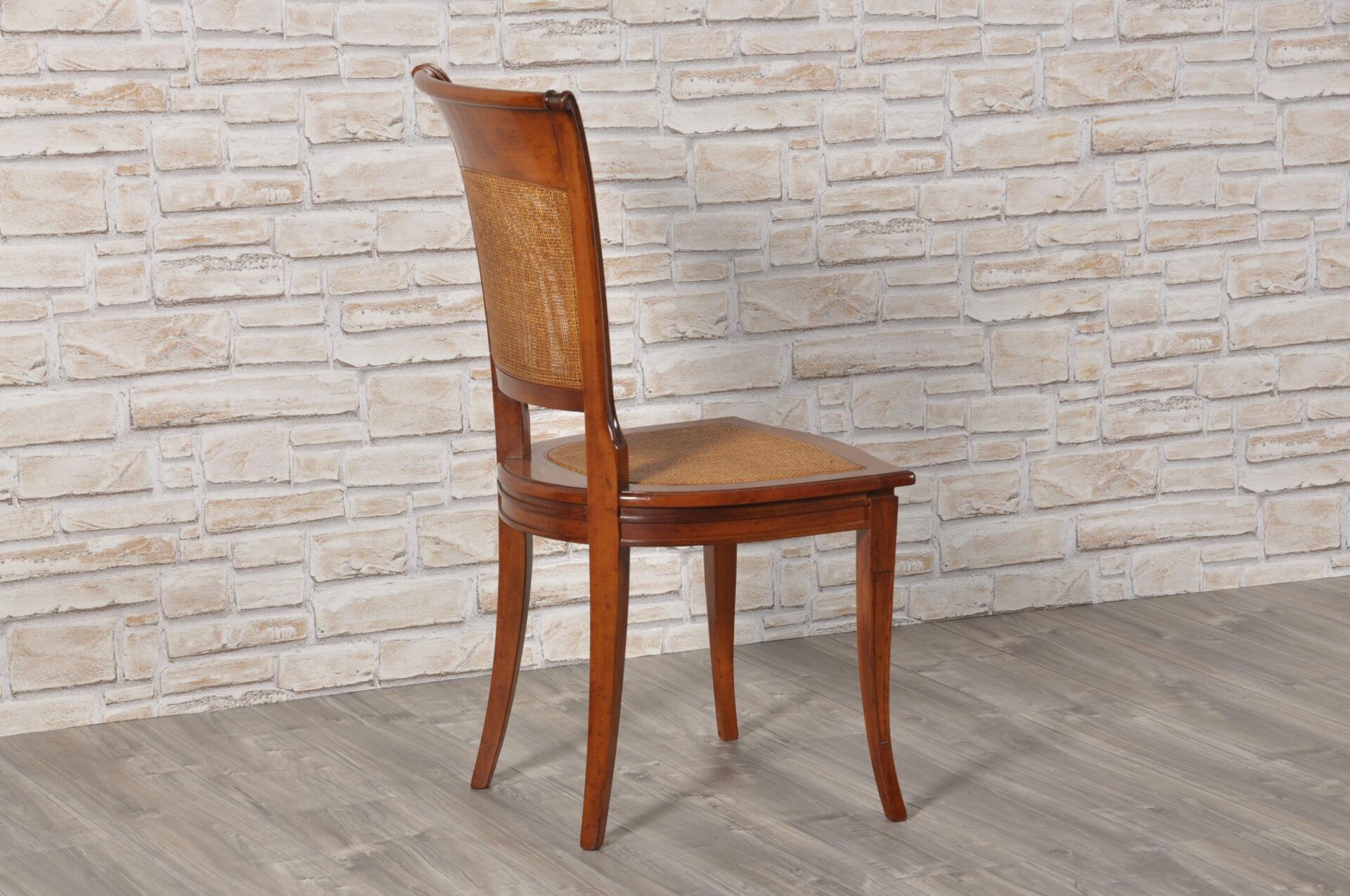 Sedia di lusso mossa e sagomata costruita in legno for Sedie acciaio e paglia di vienna
