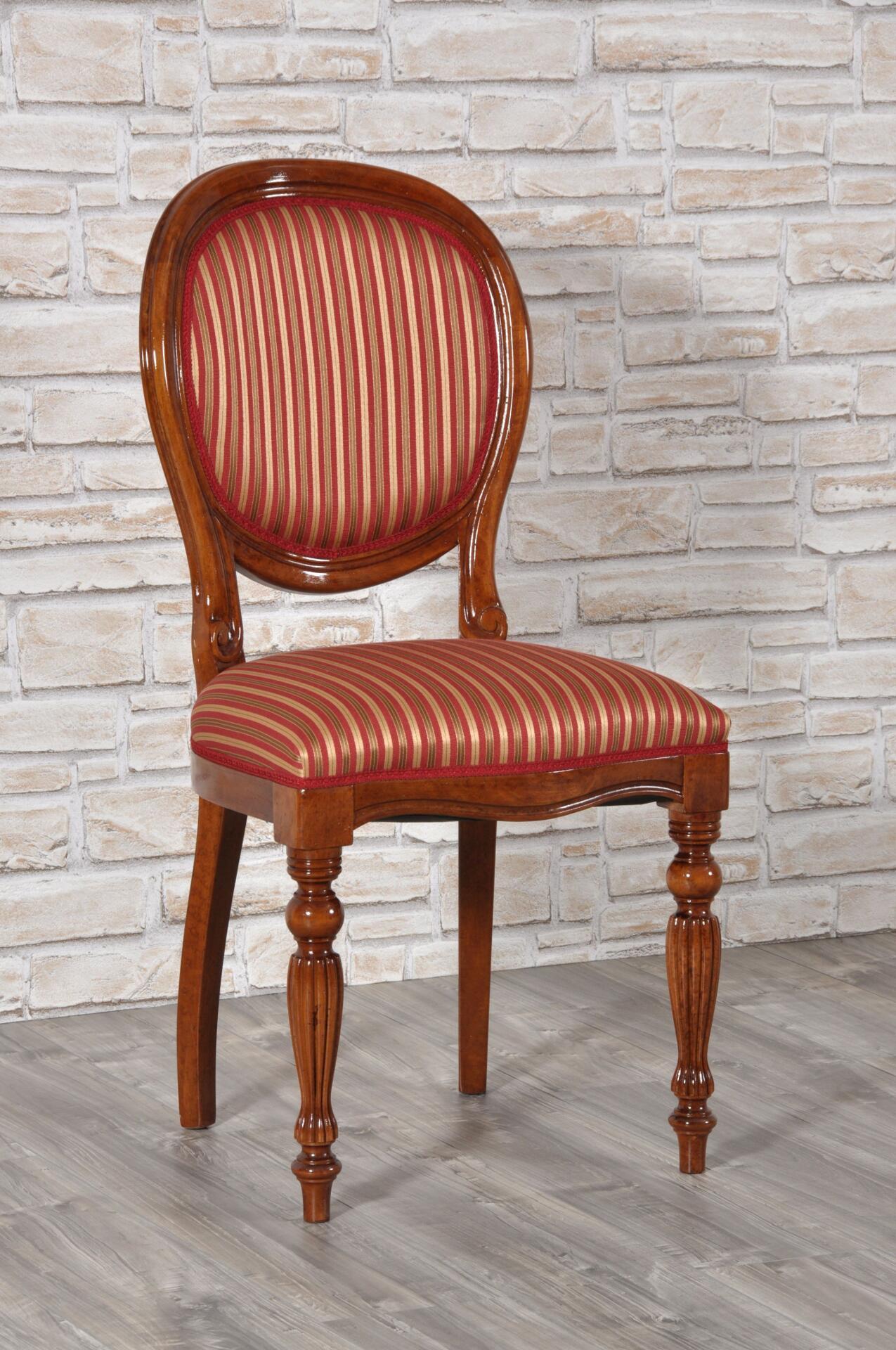 Raffinata sedia di lusso prodotta in stile classico - Stile vittoriano mobili ...