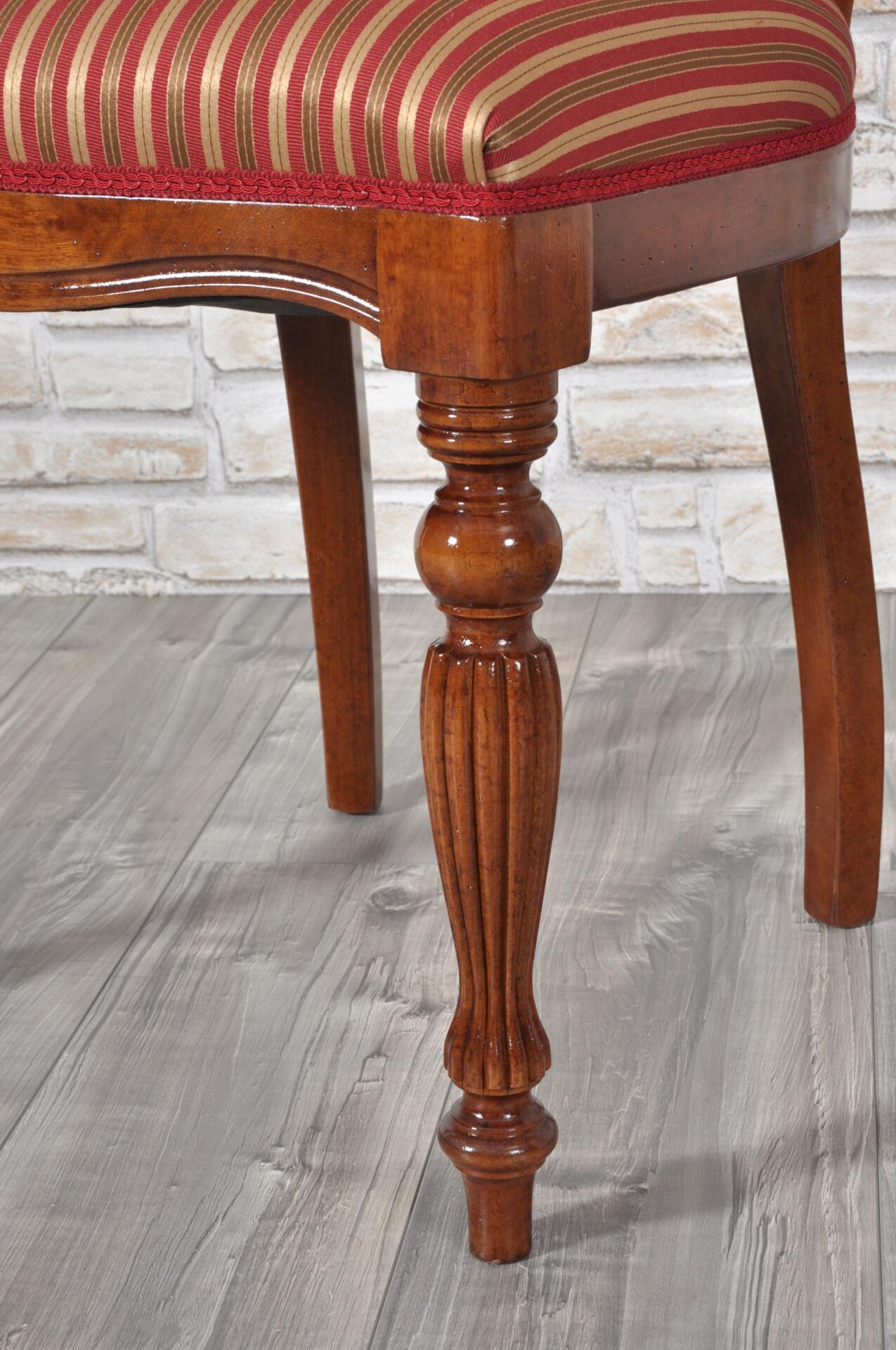 Raffinata sedia di lusso prodotta in stile classico vittoriano inglese con schienale e sedile - Mobili stile vittoriano ...