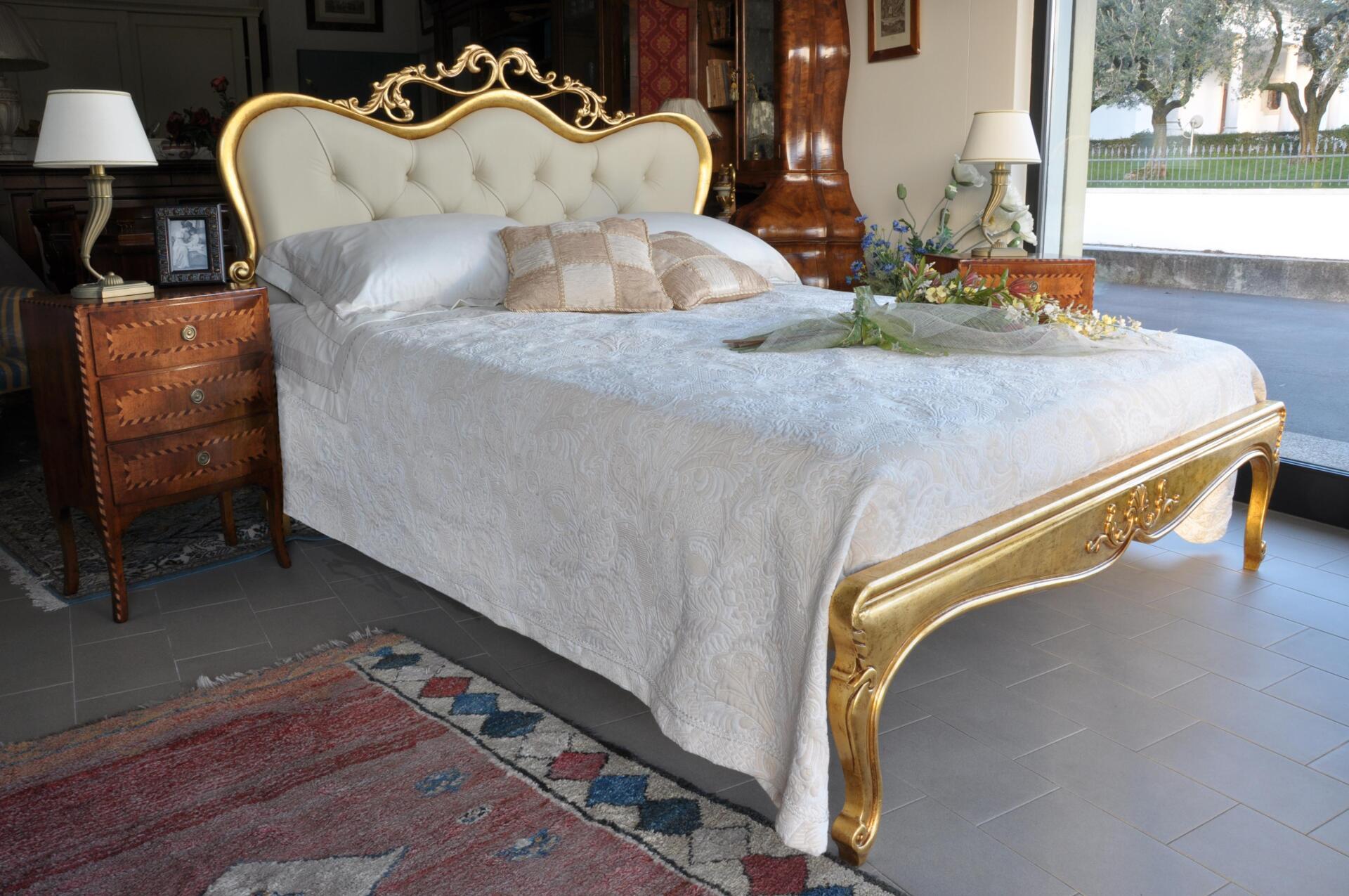 Letti Di Lusso In Pelle : Letto matrimoniale di lusso in stile classico luigi xv mobili