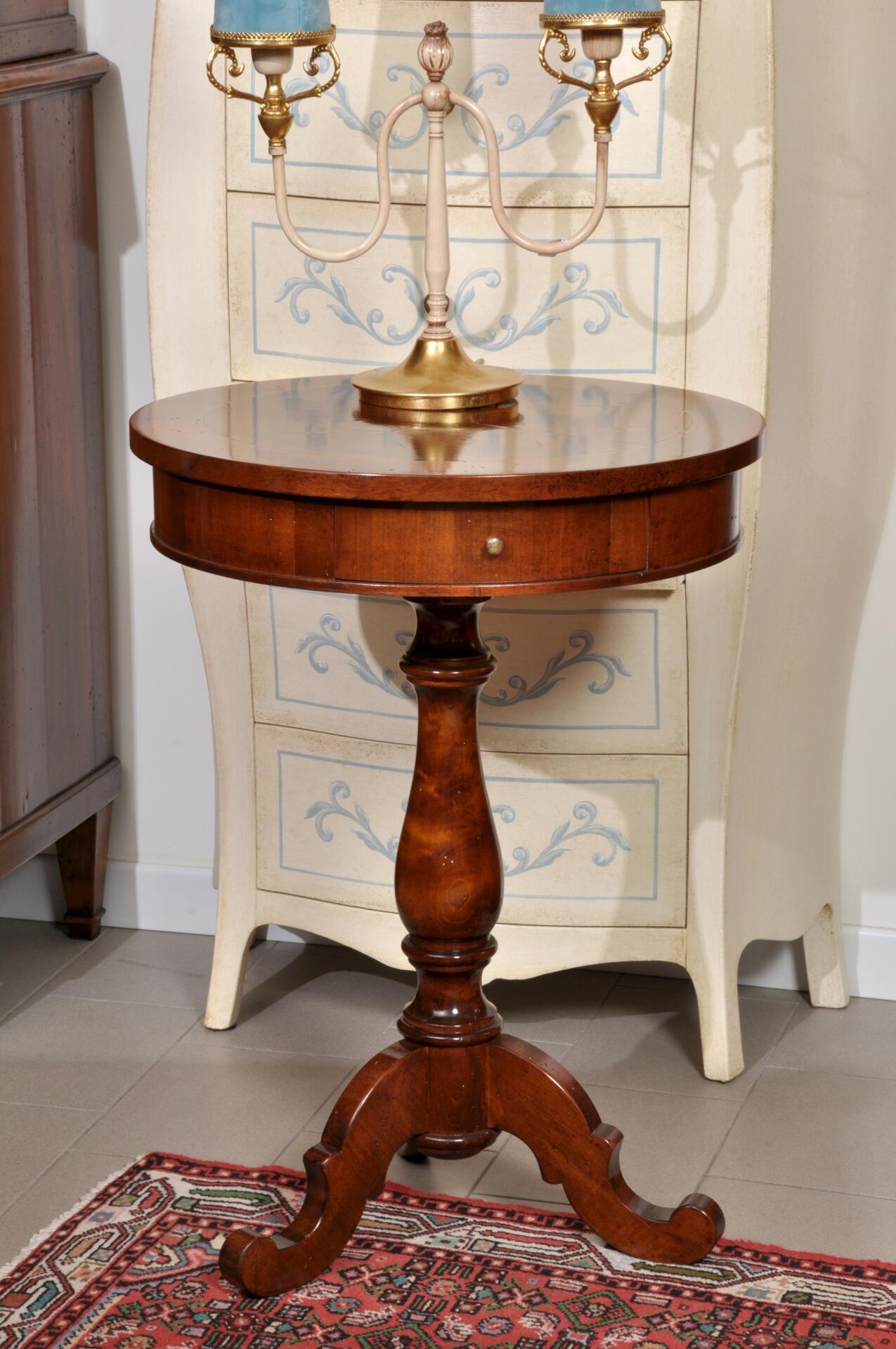 Elegante tavolino rotondo da salotto con 1 cassetto costruito in stile luigi filippo mobili - Mobili da salotto classici ...