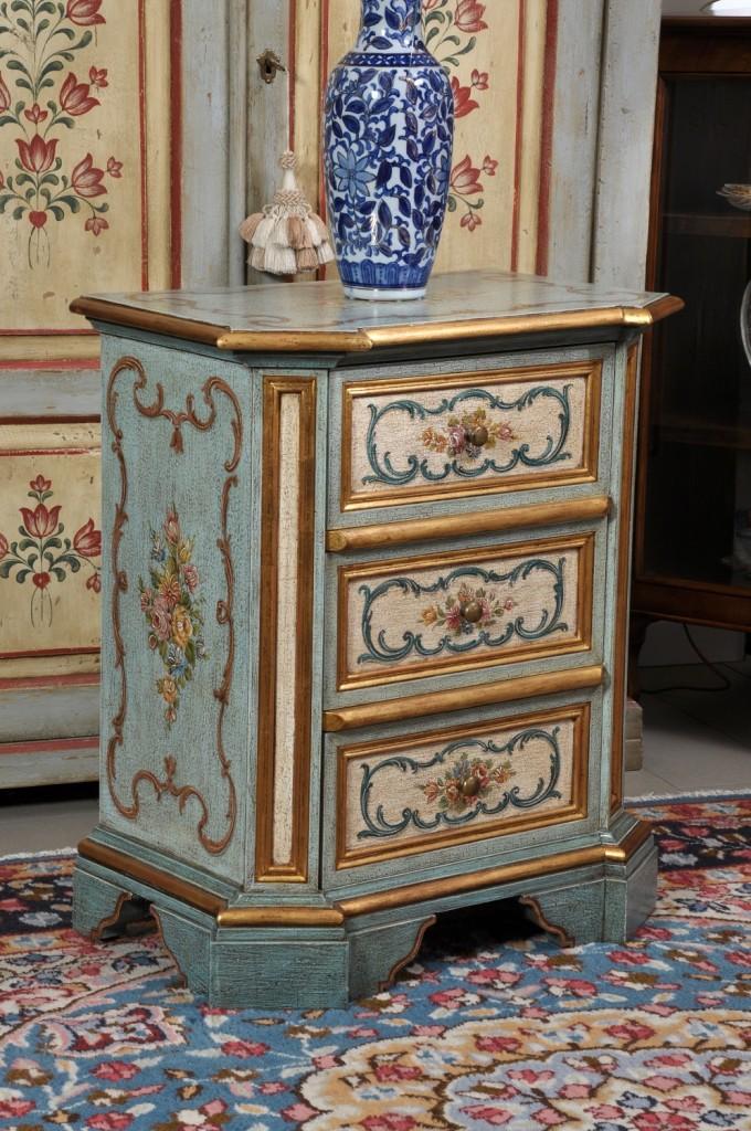 pregiato comodino barocco veneziano di lusso laccato a mano
