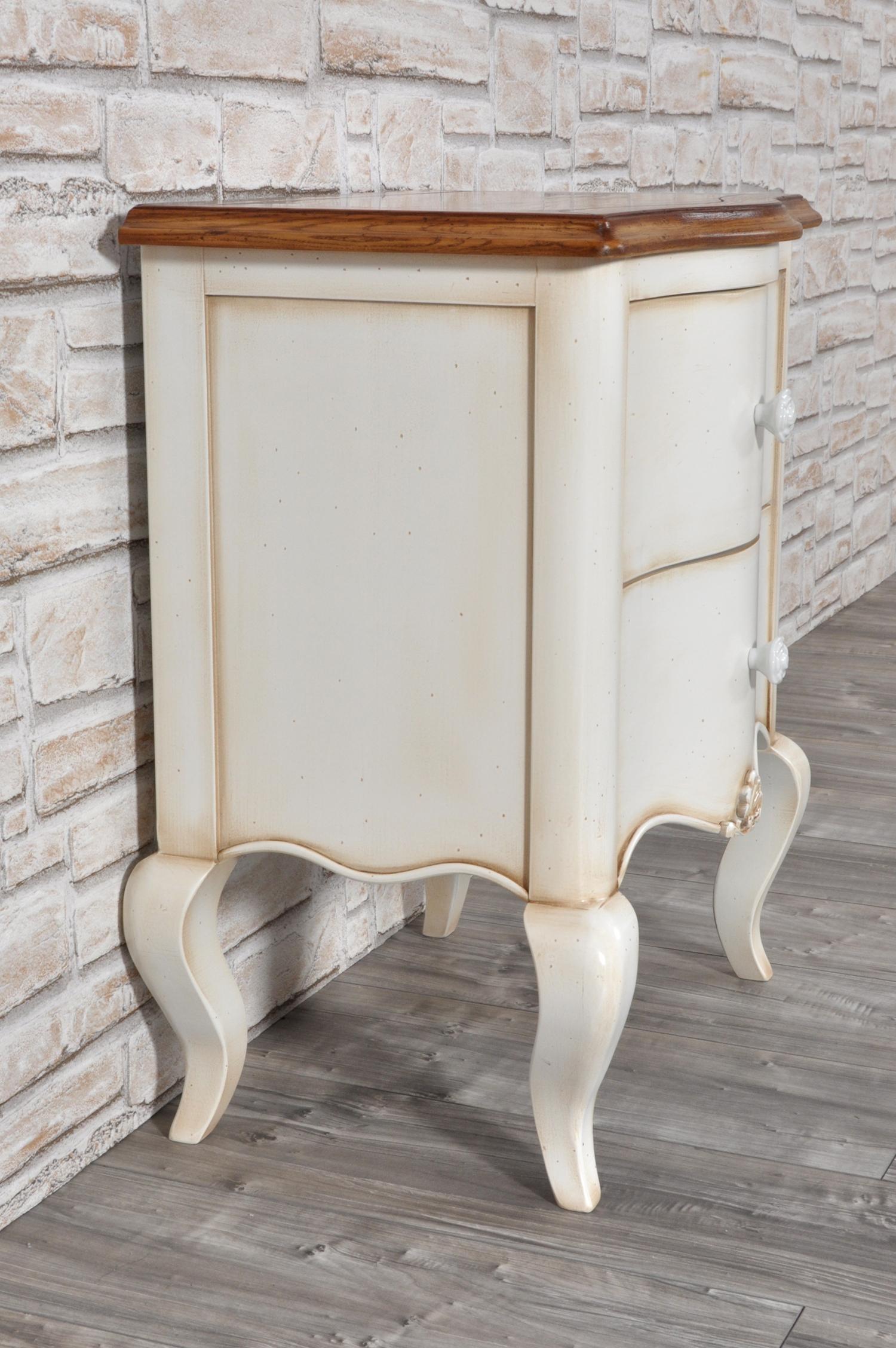 Elegante comodino sagomato in stile classico provenzale mobili vangelista - Dipingere mobili legno stile provenzale ...