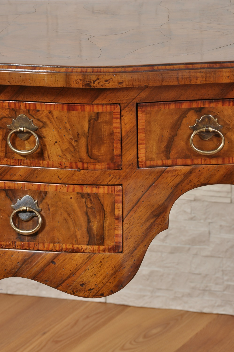 Venetian rounded Luigi XV style centre office desk inlaid in walnut ...