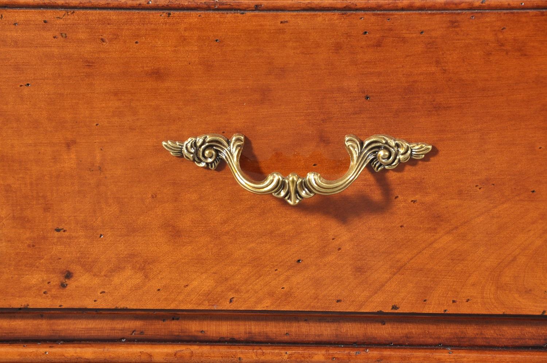 maniglia del cassetto in bronzo cesellato a mano e riprodotta dal manufatto originale realizzata a mano