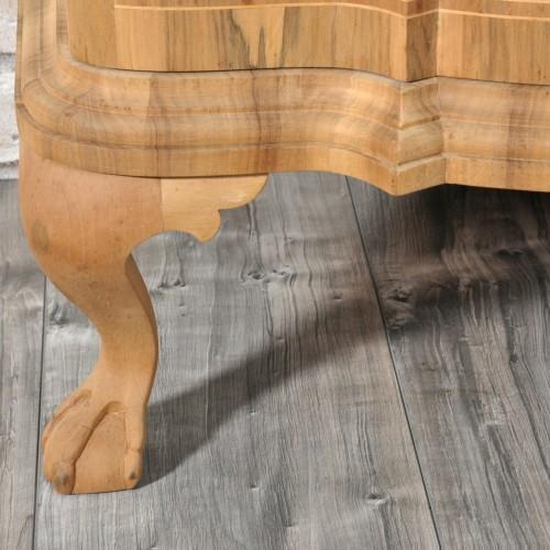 zampe ferine scolpite a mano in legno di noce massello