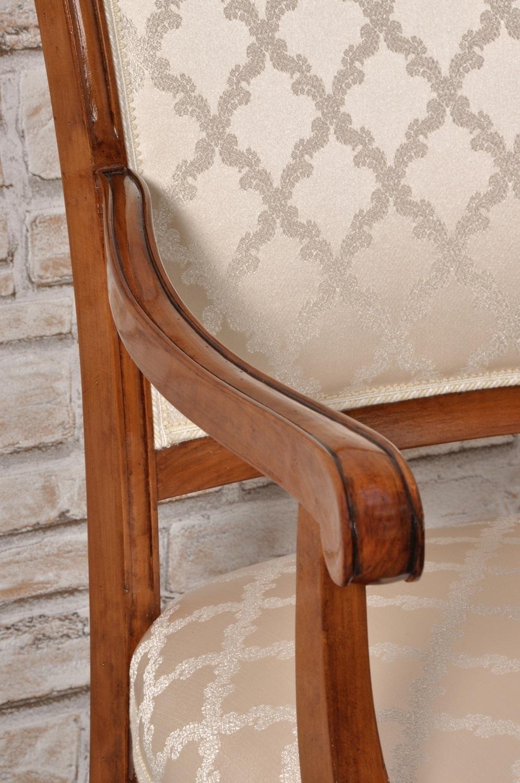 Raffinata poltroncina - sedia con braccioli di lusso per importanti ...