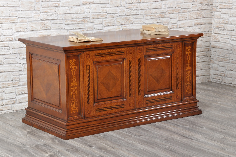 scrivania su misura intarsiata e lucidata a gommalacca a mano con prodotti naturali