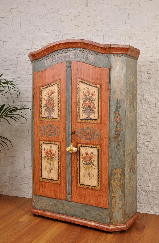Armadi Tirolesi Dipinti armadio dipinto a mano con le 2 ante e cimasa sagomate in