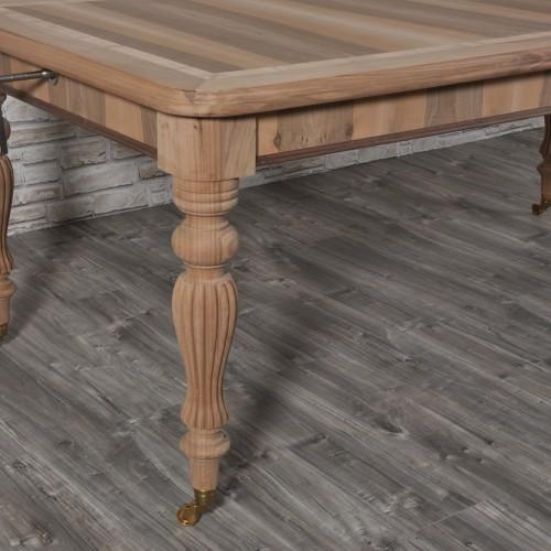 pregiato tavolo made in Italy di realizzazione italiana costruito con le gambe tornite dal brand di lusso Vangelista mobili
