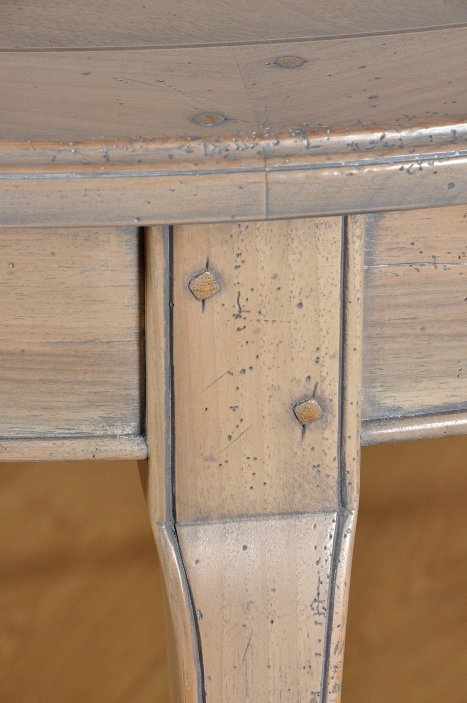 lavorazioni di alto pregio a valore eseguite a mano con cordoncino intagliato e lucidato sbiancato grigio con patina turchese chiodi in rovere
