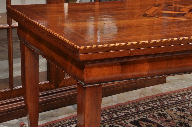 Tavolo Antico Allungabile Veneto.Pregiato Tavolo Rettangolare Intarsiato In Stile Asolano Veneto