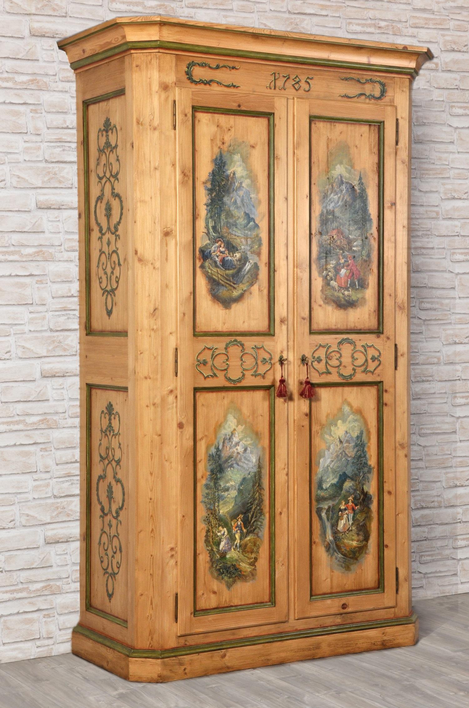 Armadio a 2 ante in abete antico dipinto a mano in stile for Piani domestici di vecchio stile