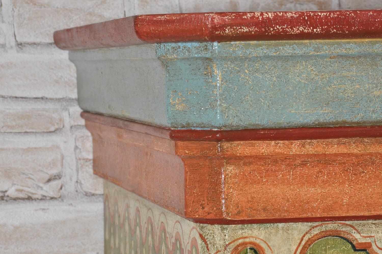 riproduzione di un armadio made in italy costruito artigianalmente e realizzazione di lusso