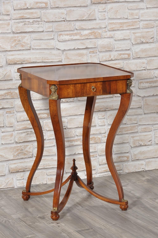 Elegante tavolino quadrato da ingresso in stile primo Impero ...