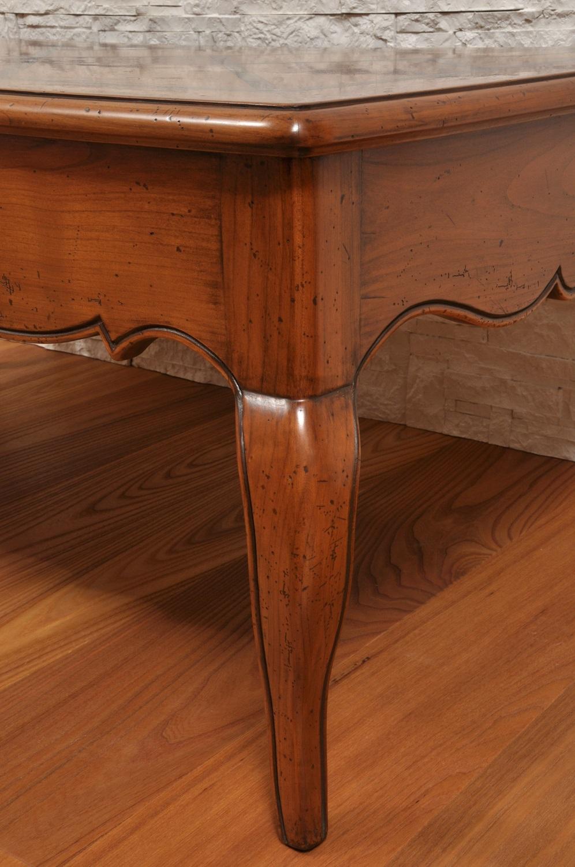 gamba prodotta su misura con cordoncino intagliato e mano e sagomata in stile classico provenzale essenza di ciliegio massello in stile classico provenzale