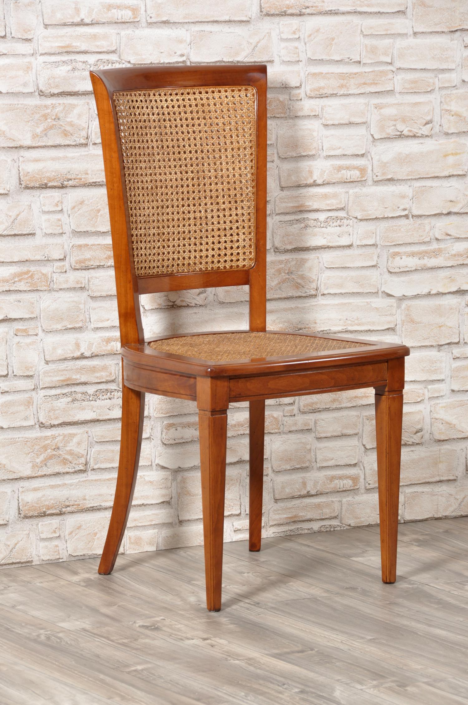 Sedia costruita in legno pregiato di ciliegio massello for Sedia design paglia di vienna