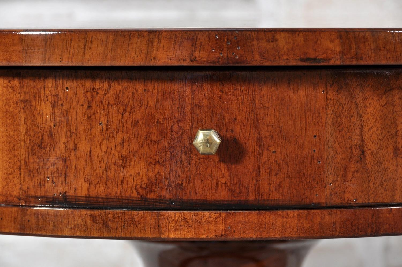 Tavolino Rotondo Legno Essenza Bim : Tavolino rotondo da salotto intarsiato in essenze di noce