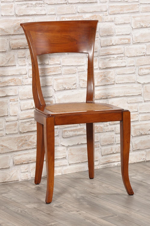 Raffinata sedia in noce massello con le gambe sagomate a forma di sciabola realizzata in stile - Fabbriche di mobili in veneto ...