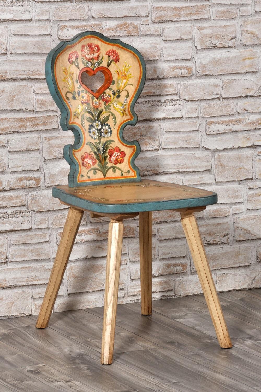 Importante sedia con cuore per arredi di montagna decorata for Sedie decorate per natale