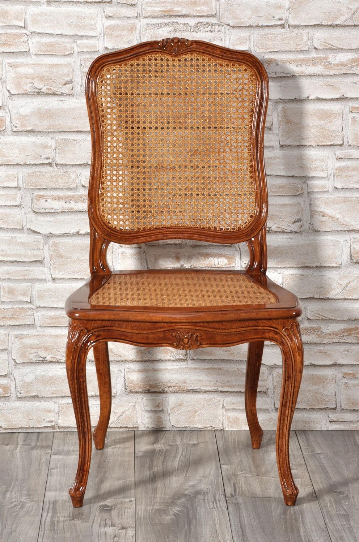sedia made in italy di lusso 700 veneziana costruita con intagli e sagomature fatte a mano e scolpite artigianalmente realizzazione di pregio fatta a mano con schienale e sedile in paglia di Vienna