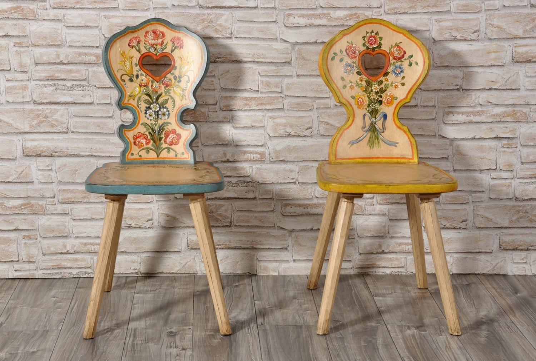 Sedie Decorate A Mano.Importante Sedia Con Cuore Per Arredi Di Montagna Decorata A Mano In