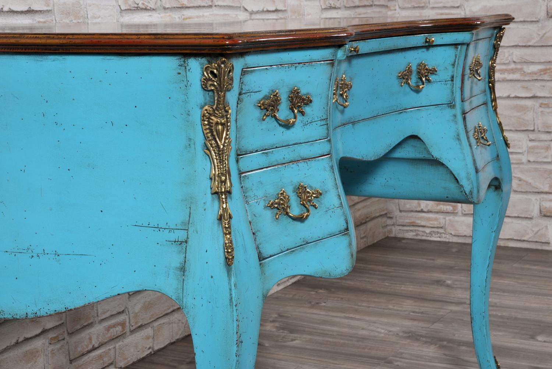 riproduzione scrivania bombata e mossa laccata bicolore in stile settecento veneziano luigi XV realizzabile su misura essendo fatta a mano