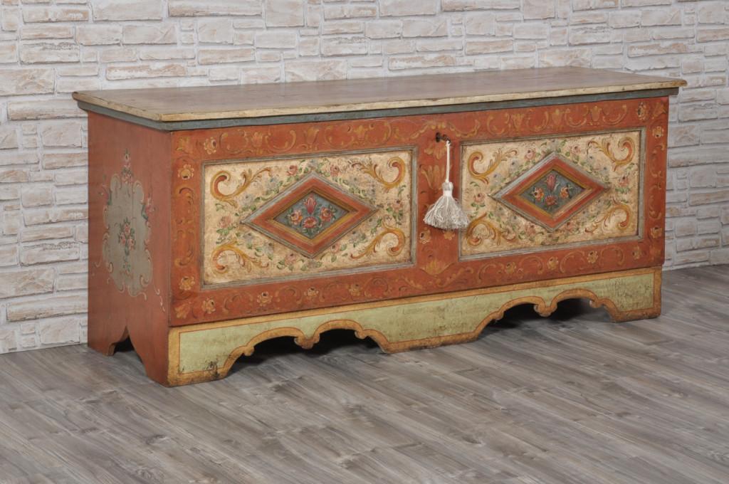 cassapanca dipinta a mano in stile tirolese, cassapanca di lusso - Copia
