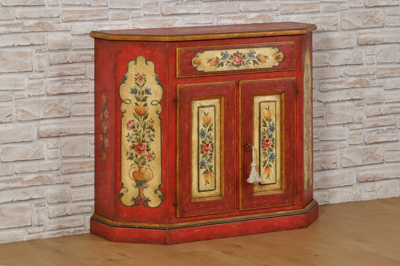 credenza-mobiletto-di-lusso-decorato-stile-600-tirolese-laccata-rosso-veneziano-con-disegni-fatti-a-mano-di-barocchi-e-fiori-importante-arredo-di-piccole-dimensioni-con-1-cassetto-e-2-ante