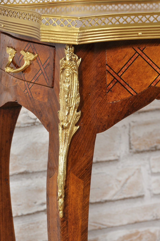 Tavolino di lusso francese in stile Luigi XV intarsiato a ...
