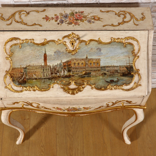 importante ribalta bureau di lusso dipinta in stile classico barocco settecento veneziano raffigurante piazza San Marco a Venezia decorazioni manufatto d'epoca originale in pastiglia
