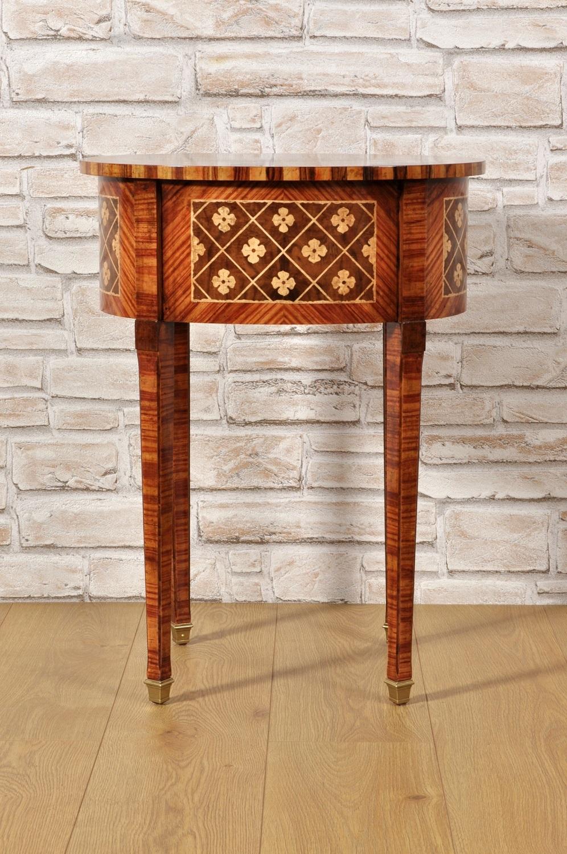 Tavolino Intarsiato Di Lusso Ovale Intarsiato In Stile Neoclassico Maggiolini Mobili Vangelista