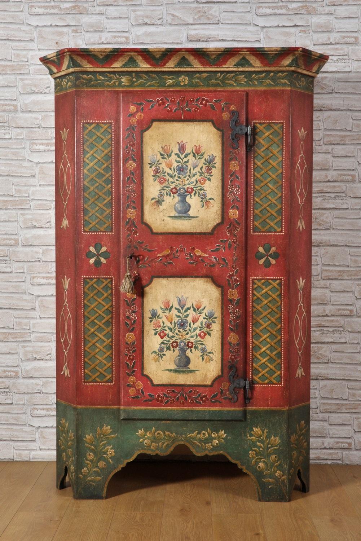 Armadi Tirolesi Dipinti importante armadio tirolese ad una anta decorato con fiori e