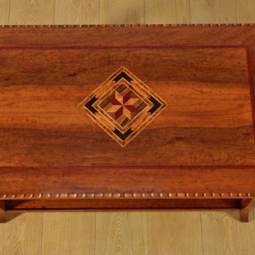 intarsio del piano a rombo con disegno geometrico in legni eostici di ebano acero noce americano ciliegio padouk rovere